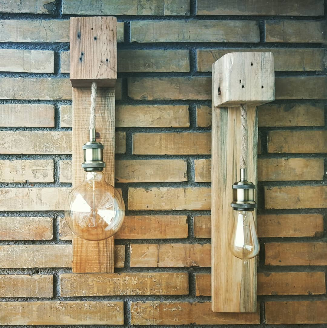 simple bulb hanging pallet idea