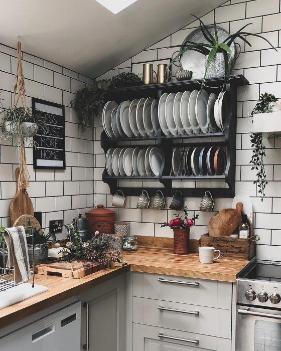 DIY Kitchen Shelves | Kitchen Decor Ideas